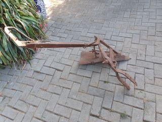 herramienta antigua de hierro