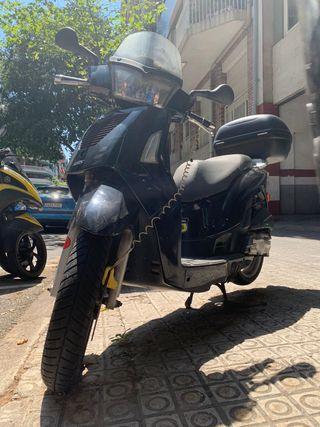 Kymco people s50. Moto ciclomotor.