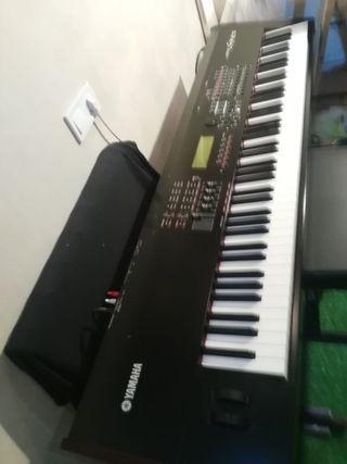 Teclado Piano Sintetizador Yamaha S 90 ES