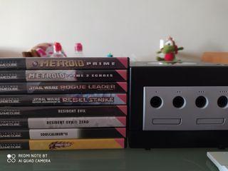 Consola Gamecube con juegos y accesorios.