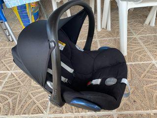 Maxicosi silla bebé coche + plástico lluvia