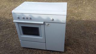 Cocina con horno de gas butano nueva