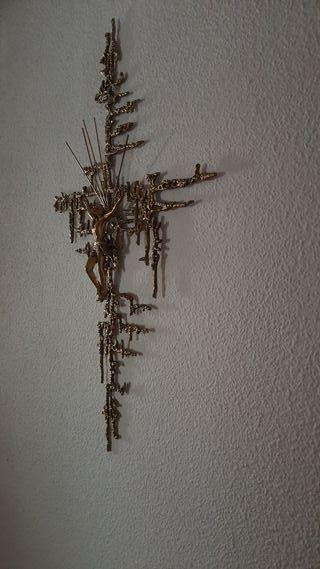 Crucifijo de bronce
