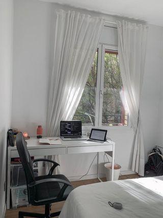 Mesa de escritorio + silla