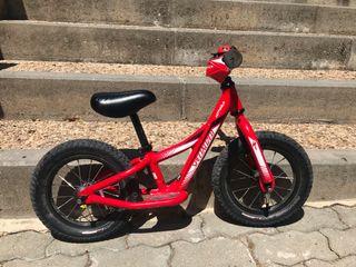 """Bicicleta Specialized 12"""""""