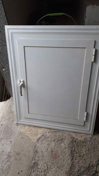 ventana de aluminio con junta embellecedor