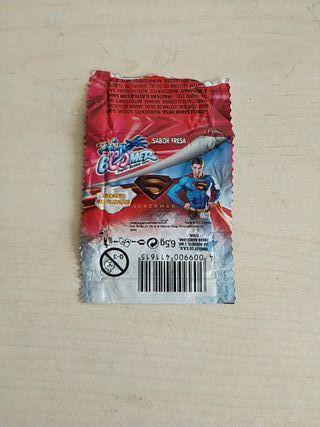 ENVOLTORIO BOOMER SUPERMAN CON CROMO