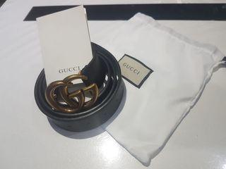Cinturón Gucci negro 115