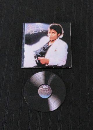 Michael Jackson miniatura vinilo Thriller . es un