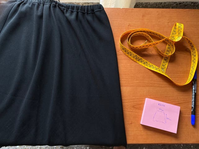 Falda Negra Ligera