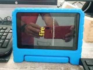 Tablet Fire 7 pulgadas + Dos fundas de regalo