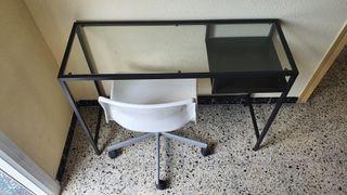 Escritorio + silla como nuevos - óptimo precio!