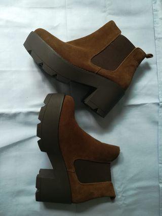botines de piel y plataforma