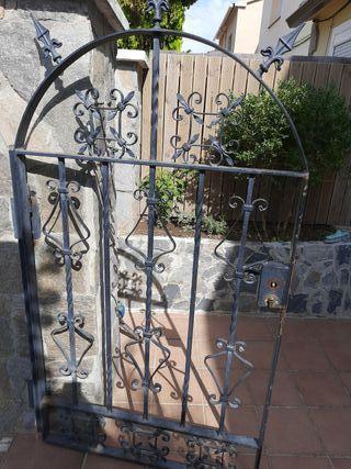 puerta y vallas de forja