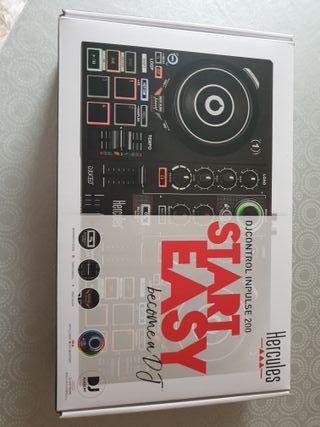 Controlador Hercules DJ Control Inpulse 200