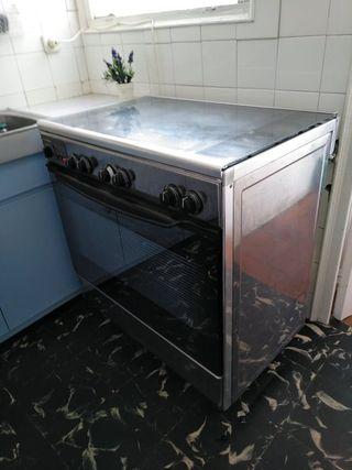 Cocina horno con 5 fogones