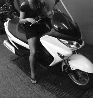 Vendo moto Suzuki burgman executive 125cc blanca