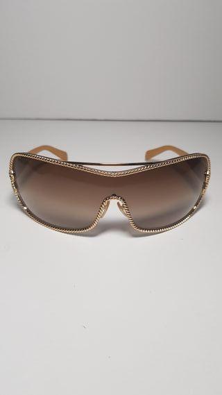 Gafas de sol Prada 200€