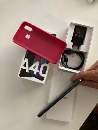 Samsung A40 y dos fundas