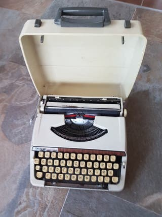 "Máquina de escribir ""Vitange"""