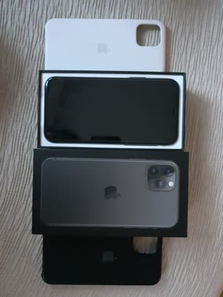 Vendo iPhone 11 Pro con dos cases originales apple