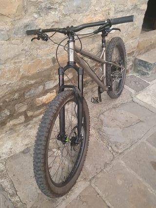 Bicicleta Kingdom Vendetta titanio