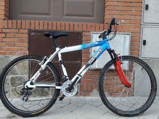 """Bicicleta 26"""", cambio Shimano, horquilla delantera"""