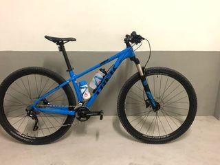Bicicleta TREK CALIBER 8