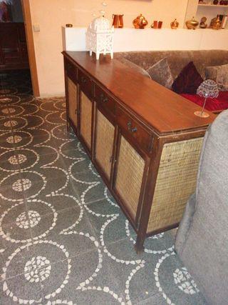 mueble de madera y miembre