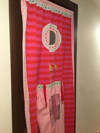 Cortina-puerta imaginarium rosa