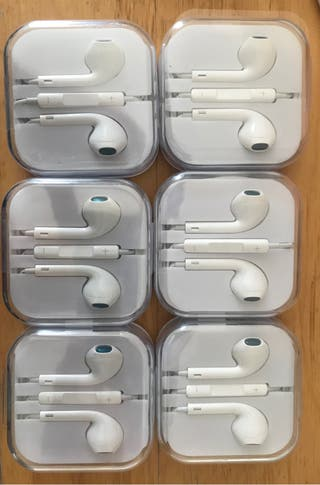 Earphones 3.5mm aux. 2 pairs £5