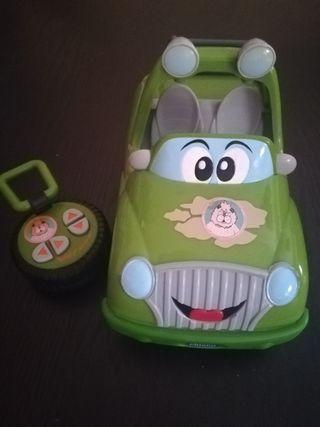 coche teledirigido de chico