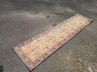 alfombras. pasillo y habitación