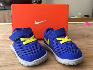 Deportivas Nike talla 18,5 para bebé