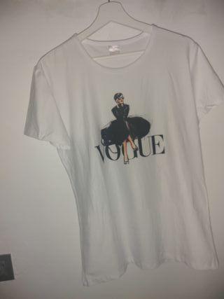 camiseta vogue talla M / L