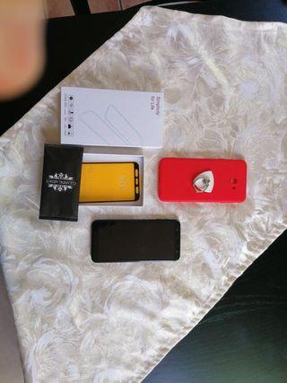 Samsung J4 Plus con muchos accesorios