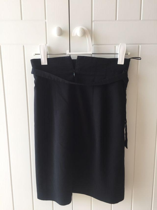 Falda negra de Esprit