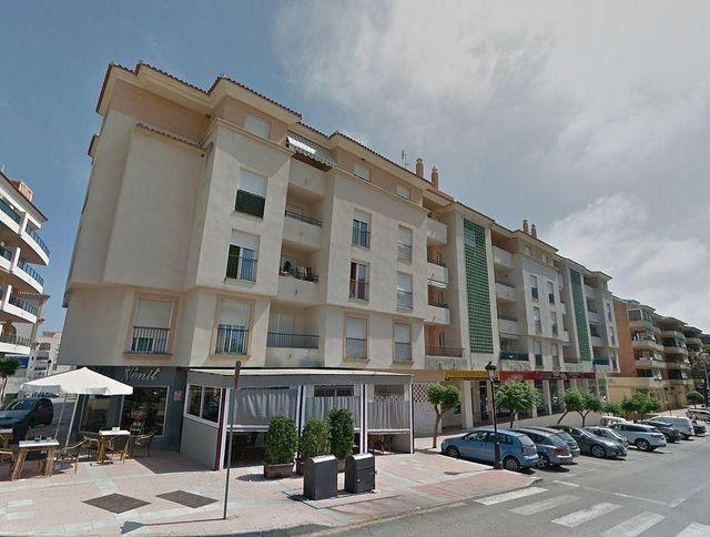 Piso en venta en San Luis de Sabinillas en Manilva (La Duquesa, Málaga)