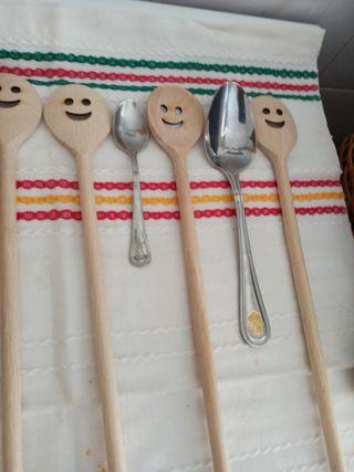 Cucharas madera tallada emoticono