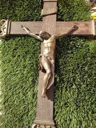 crucifijo antiguo.
