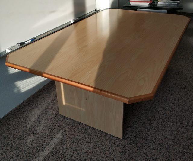 mesa grande de reunion o casa oficina etc.