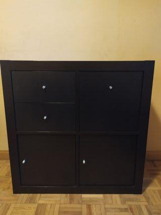 Mueble Ikea Kallax wengué con cajones y puertas