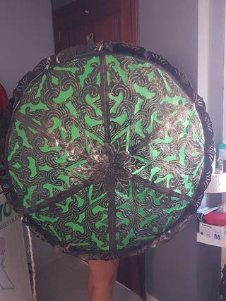 lámpara indonesa