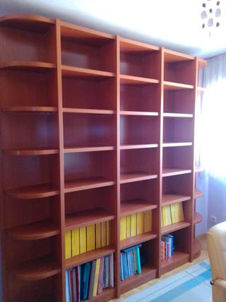 Mueble librería color cerezo muy cuidado