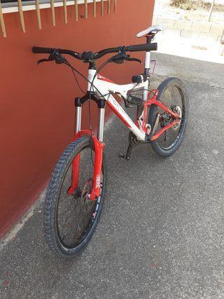 bicicleta mtb/descendo/enduro negociable
