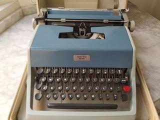 *CHOLLO* Máquina de escribir OLIVETTI de Luxe