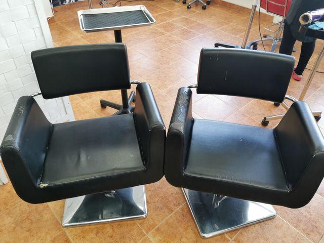 vendo varias sillas y tocadores