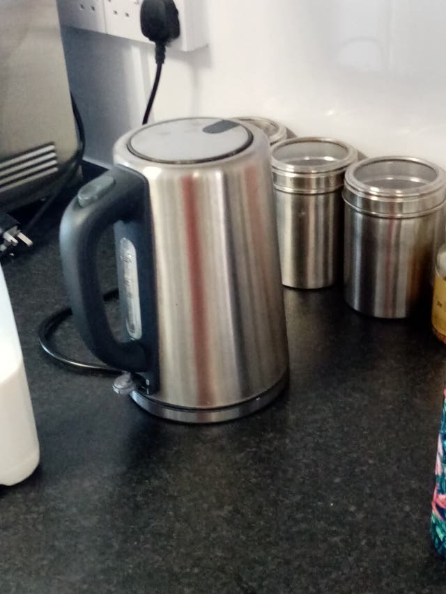 kettle with 3 canisters