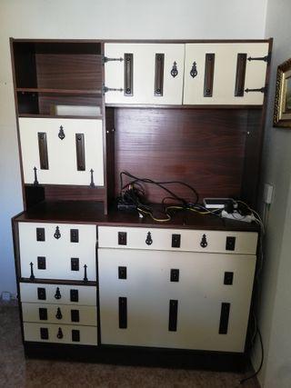 Mueble Alacena estilo castellano con cama 80s