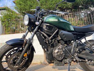 Moto Yamaha XSR700